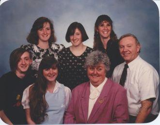 Mary L Reidt family group