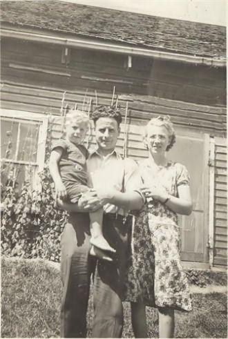 Gordon, Howard, &  Muriel Carr, Canada