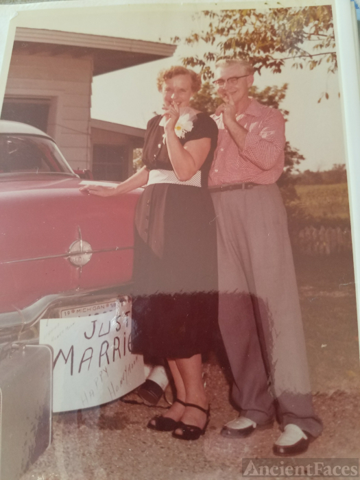 The honeymoon picture ! In 1955