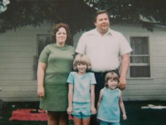 Bobby Allen Todd and family