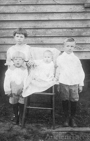 Ruby, Floyd, Johnnie, & Ralph Hamilton, 1921