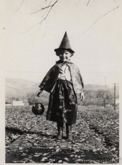 Halloween Witch, 1930's