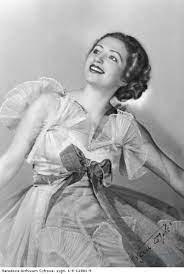 Lovely ballerina Franceska Mann.