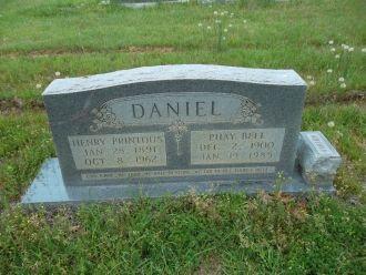 Henry P and Phay Bell Daniel Gravesite