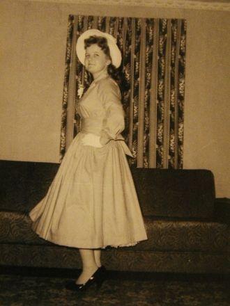Osborne, Mariam Joan All dressed up (My Mom)