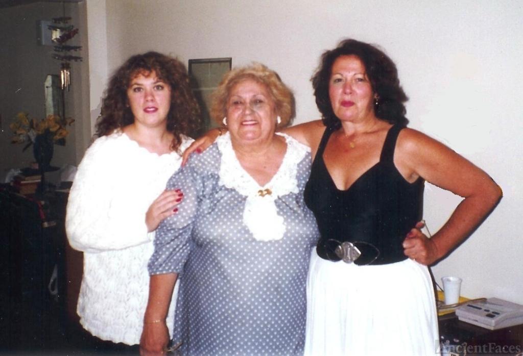 Svendsen Mom, daughter and wife