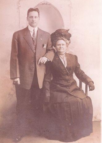 Oscar Cunningham & Sumira Tomlinson Cunningham