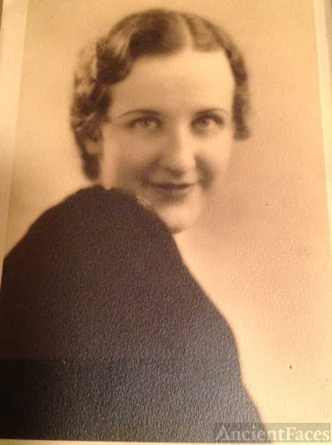 Frances L Gomolski