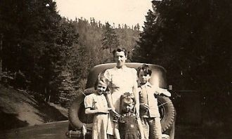 Effie Ladd Family, MN to OR, c1942