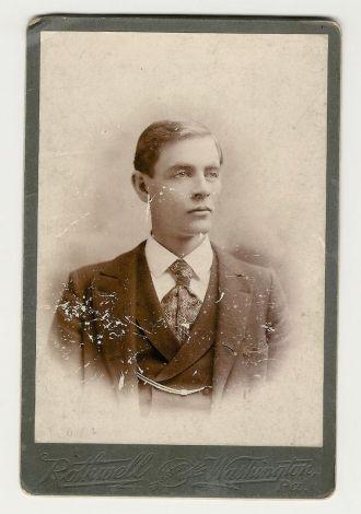 Albert L Irey