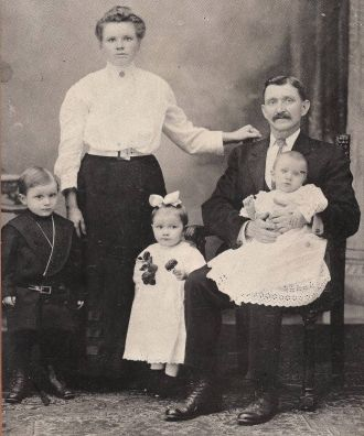 The Rynkiewicz family, Pennsylvania c1911
