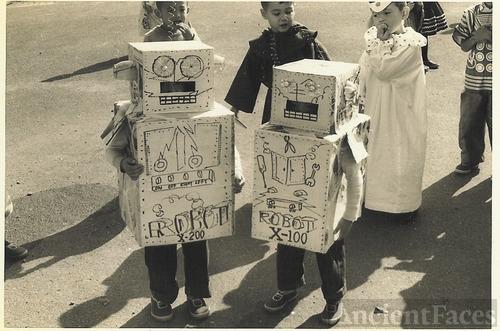 Halloween Robots, 1950's