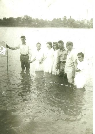 Rev Walter Lay, Kentucky Baptizing
