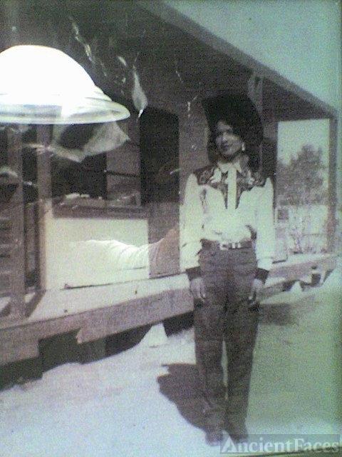 Maria E Alaniz