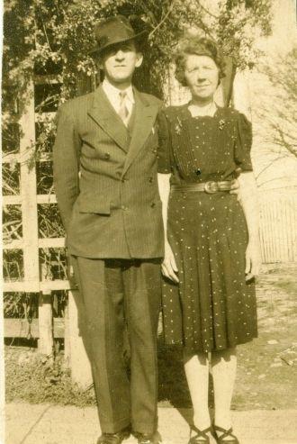 Brady & Eva (Barnes) Lynn