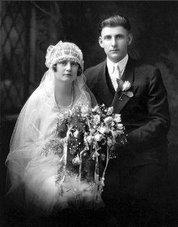 Arthur and Veronica (Barthel) Eull, 1926