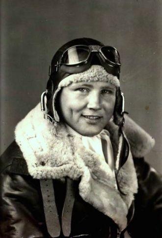 U.S. Army Air Corps pilot, Ollie Ivan Deel