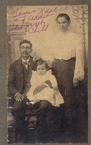 Nellie Lee & family
