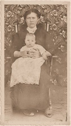 Grand Ma Clara Cloverland (Hyatt) Stanton & My Daady William Chesley B.