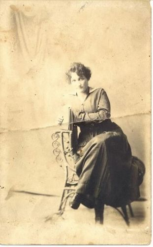 Unknown Hampton or Hargraves Woman