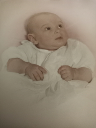 Pamela Claire Thompson 1st  Baby picture