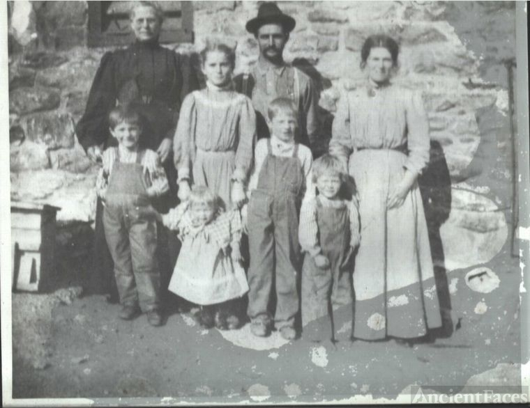 Harry M Eppley & Family
