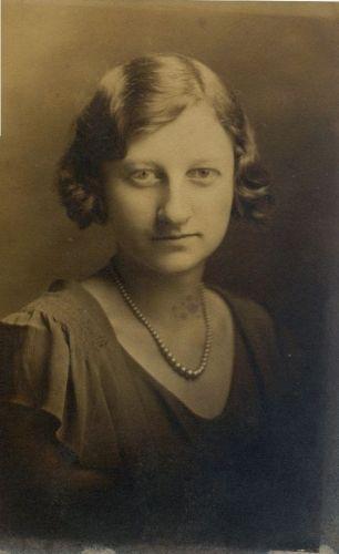 Anna L'Dearra Clay