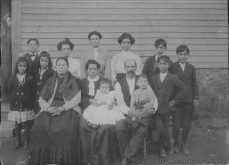 Frank & Maria Mello Family, RI