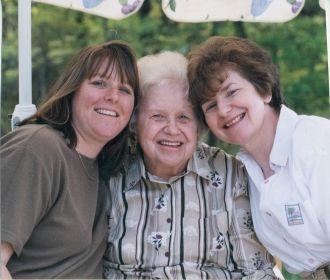 Carole & Carolyn Nason, Vera Macere