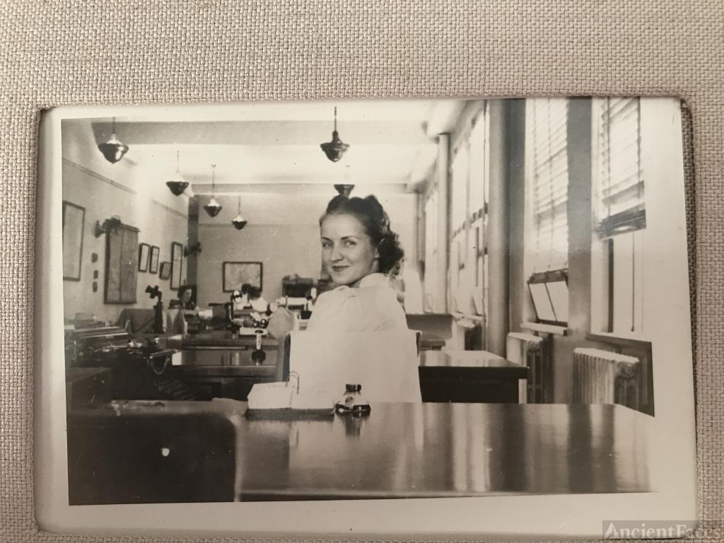 Marion P Davis Toohey at Secretarial College circa 1930