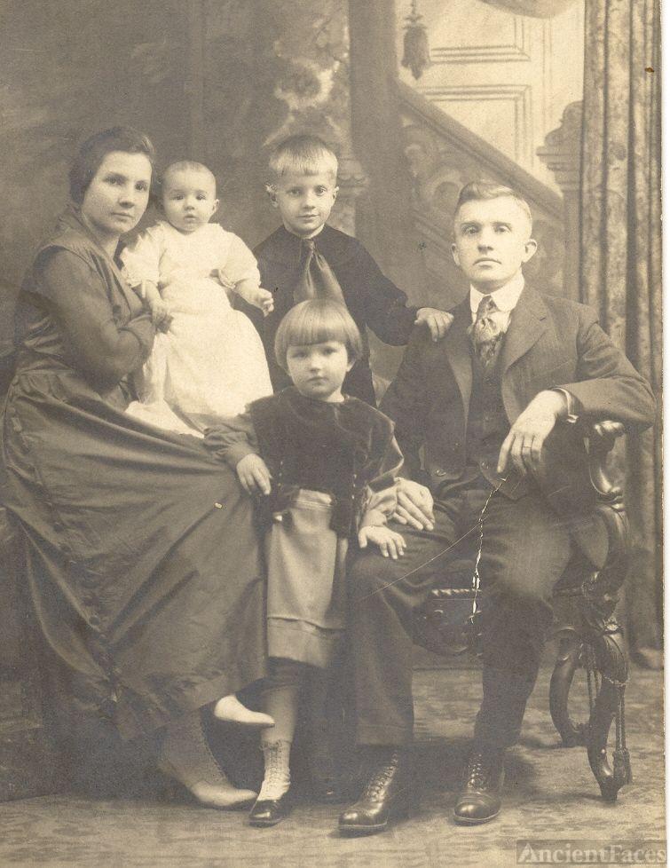 The Edward & Pauline Kochanski Wojcicki Family