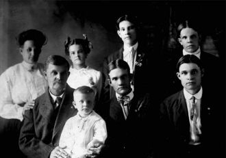 Eben and Fannie Hollenbeck Family