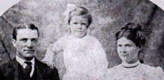 Robert Calhoun Thomas, wife and child