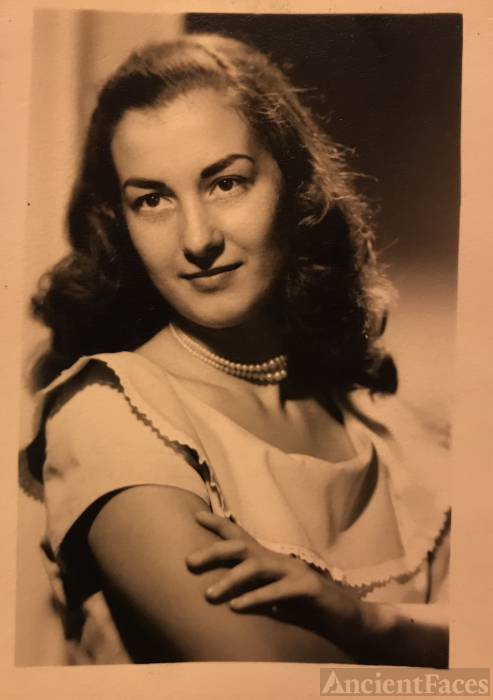 Bess Peters 1951