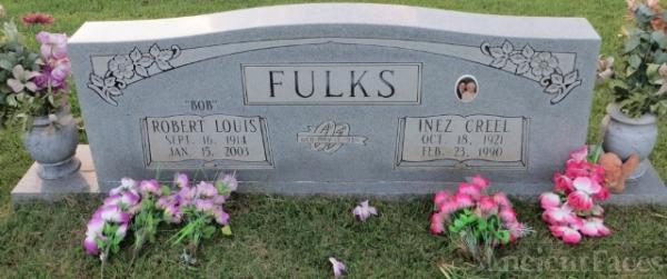 Robert L & Inez Fulks gravesite