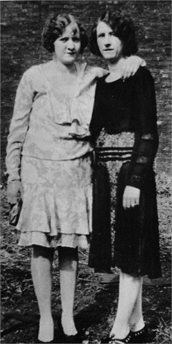 Alice and Adel Oliver, 1925