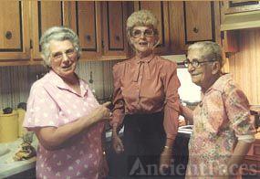Loleen Rogers, Maggie Woods, Elta Houck