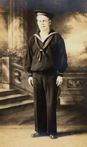 Earl Tilton