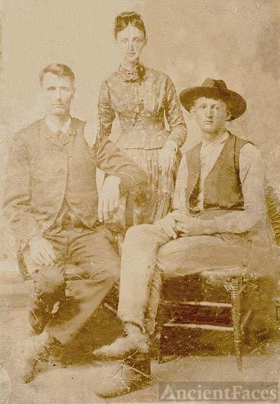 Billie, Veni and Taylor Walden