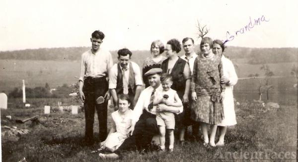 Daisy Belle Keefer & family