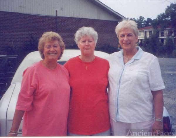 Mama & Aunt's