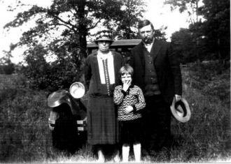 Grandfather William andGrandmotherand Aunt Hellen