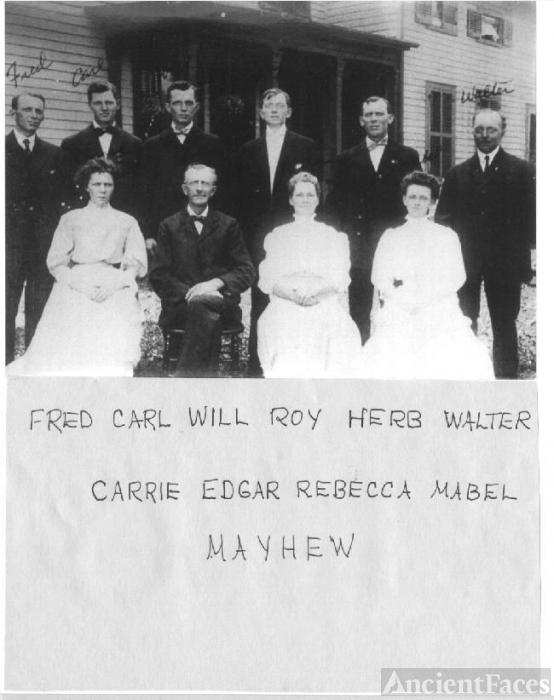 Edgar & Rebecca Kelsey Mayhew w/ children