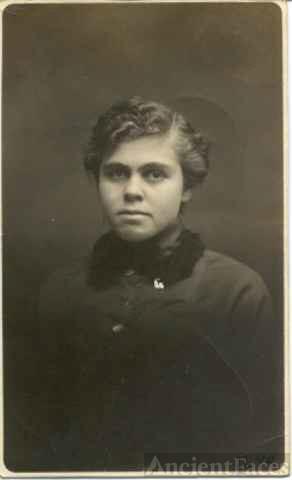 Lee Alice Wilhelm