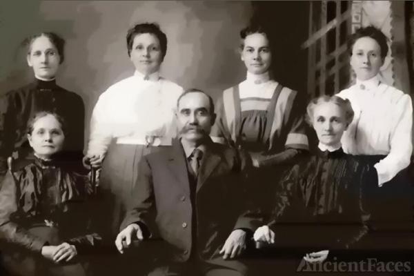 Charles Nicholas Mark Family Photo