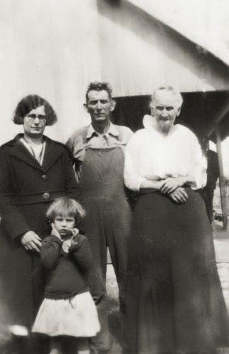 4 generations of Jones'es