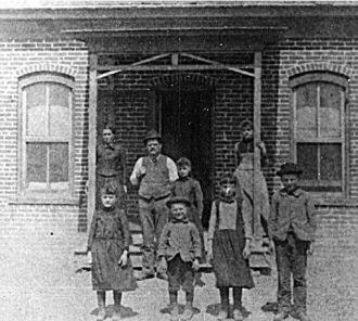 Joseph & Angeline Kroetsch Family, KS 1892