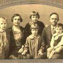 Burton and Alice Howlett Family