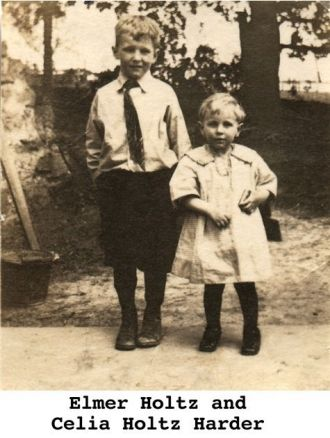 Elmer Holtz & Celia (Holtz) Harder, Iowa 1925