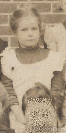 little girl surname Thomas, school